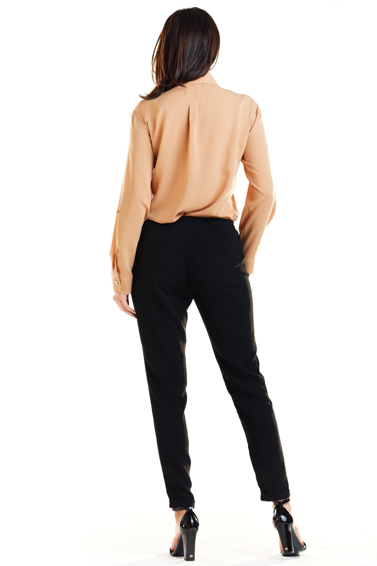 CM4186 Klasyczna koszula z długim rękawem - kamelowa