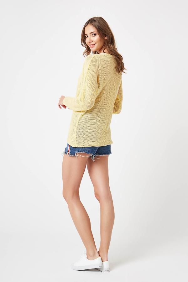 CM4209 Stylowy kopertowy sweter - żółty