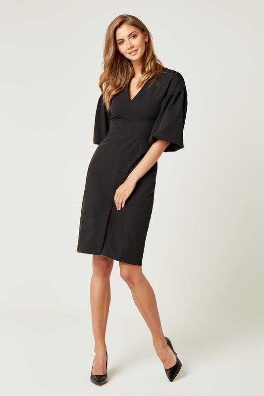 CM4242 Biurowa sukienka z szerokim rękawem - czarna