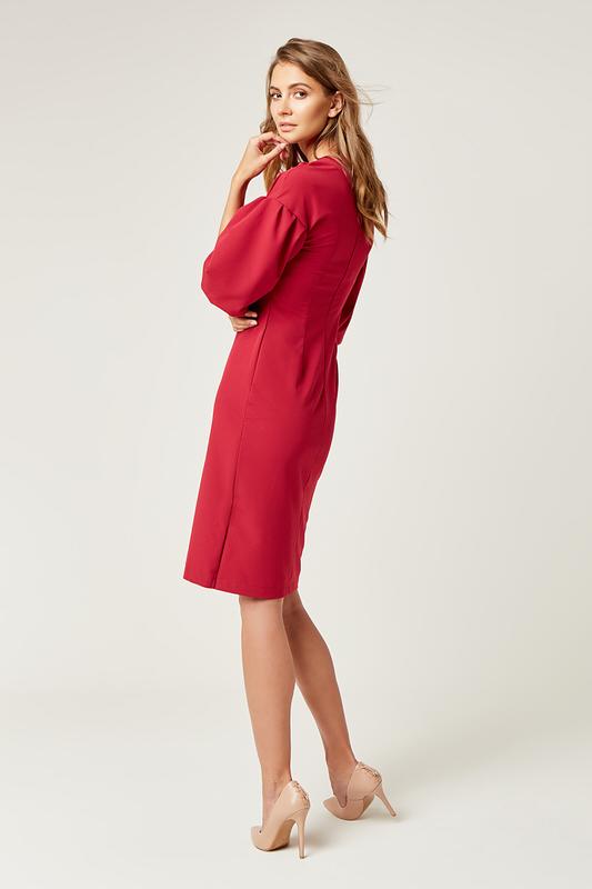 CM4242 Biurowa sukienka z szerokim rękawem - różowa