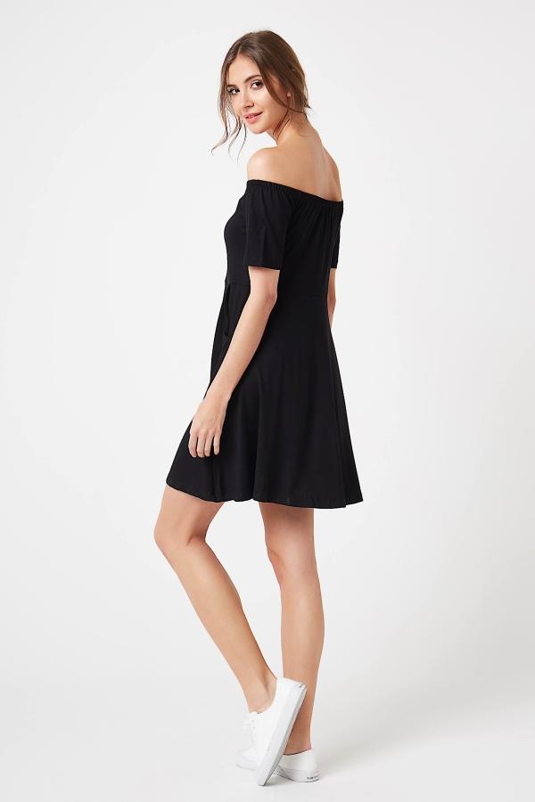 CM4247 Sukienka z odkrytymi ramionami - czarna