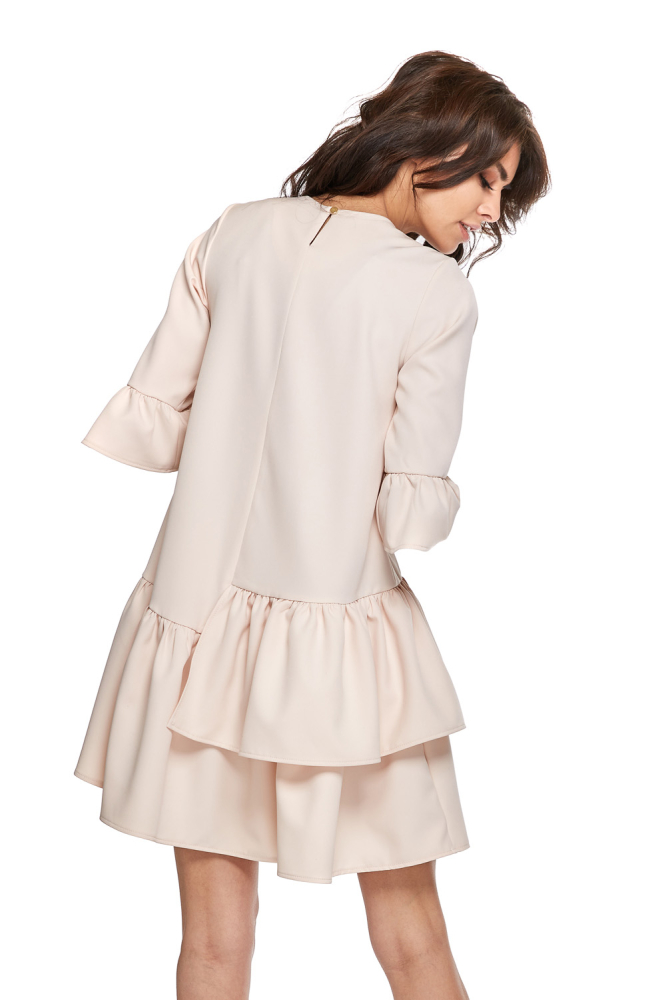 CM4279 Sukienka koktajlowa z podwójną falbanką - beżowa