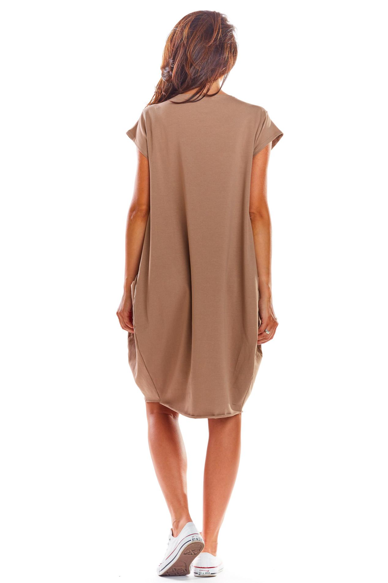 CM4515 Luźna sukienka z krótkim rękawem - beżowa