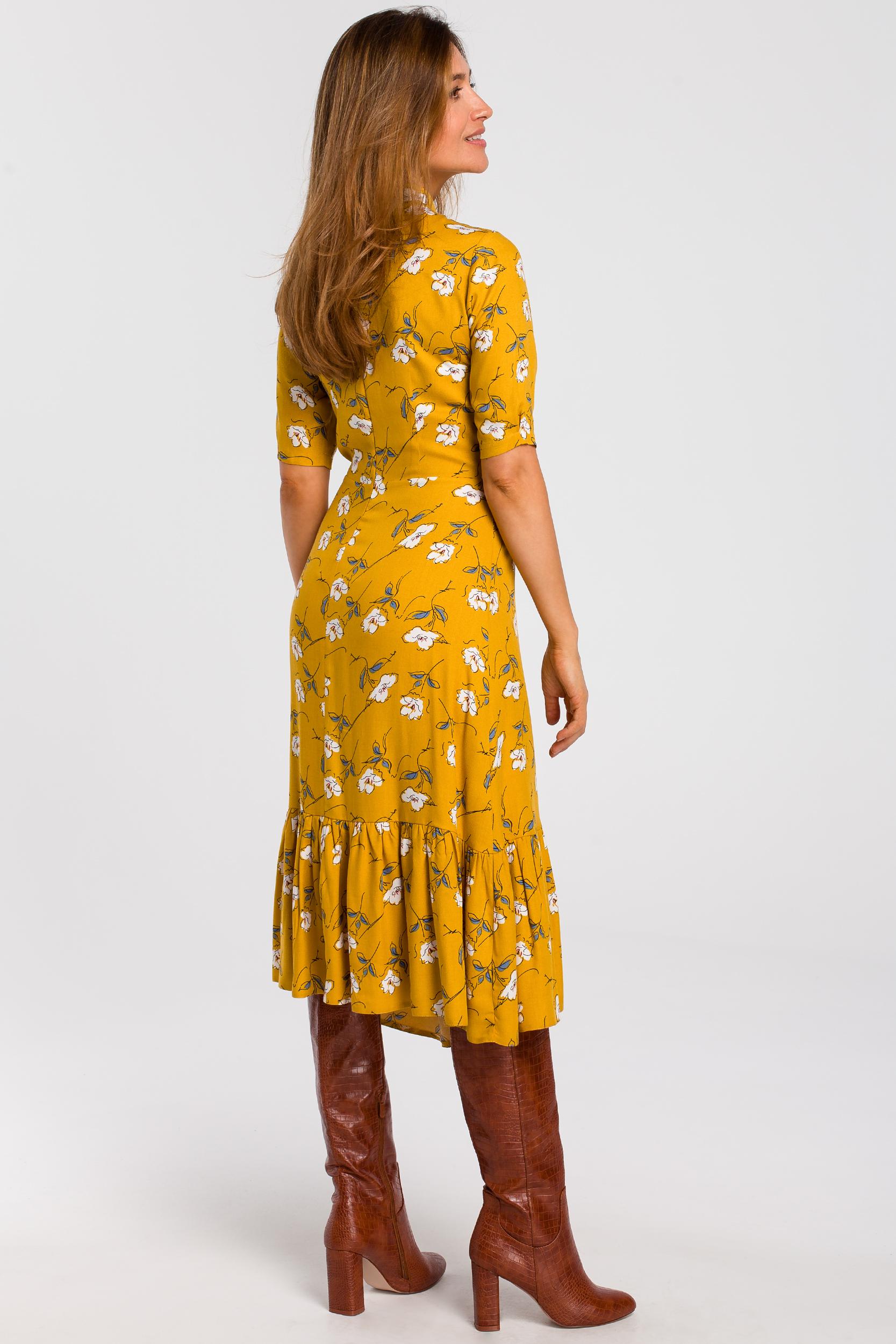 CM4639 Sukienka midi w kwiaty z pęknięciem w dekolcie - model 1