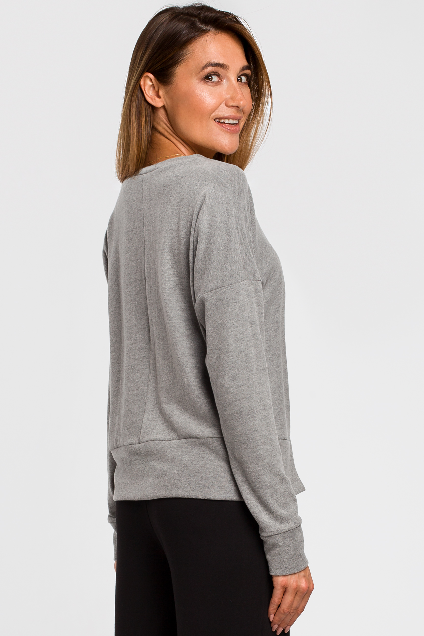 CM4642 Sweterek z rozcięciami na dole - szary