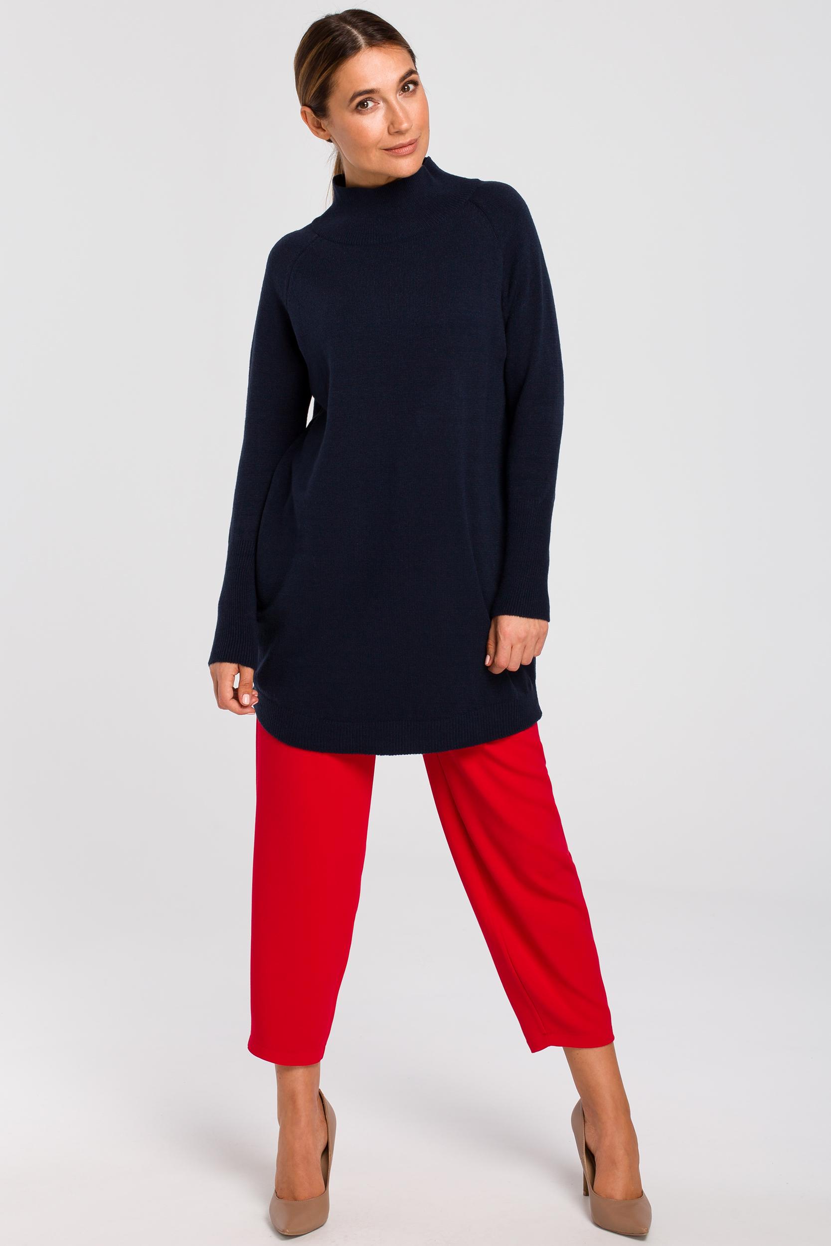 CM4646 Dłuższy sweter z prążkowanym półgolfem - granatowy