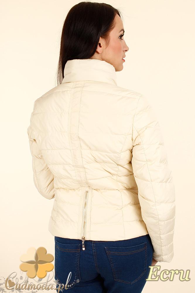 CM0342 Zimowa kurtka damska pikowana ze złotymi zamkami - ecru