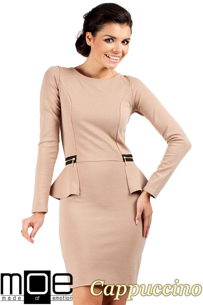 CM0330 Sukienka ołówkowa z baskinką i zameczkami - cappuccino