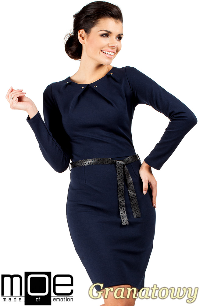 CM0333 Sukienka ołówkowa z ćwiekami - granatowa