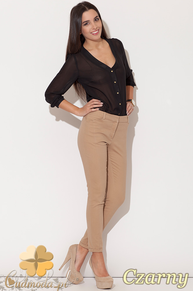 CM0457 KATRUS K089 Koszulowa bluzka damska ze złotymi guzikami - czarna