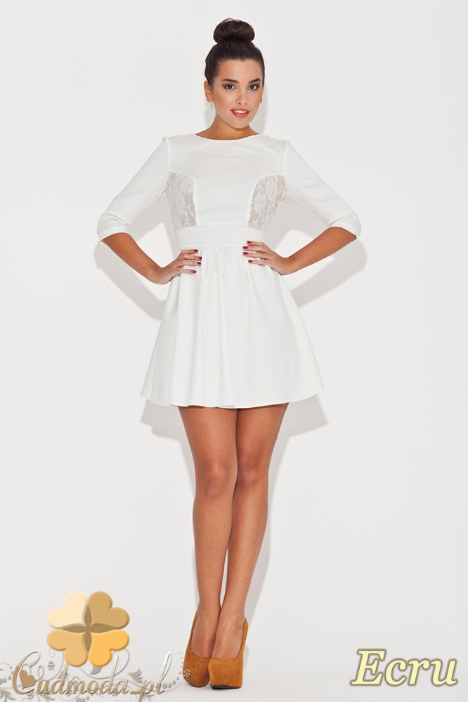 CM0471 KATRUS K068 Rozkloszowana sukienka z koronkowymi wstawkami - ecru