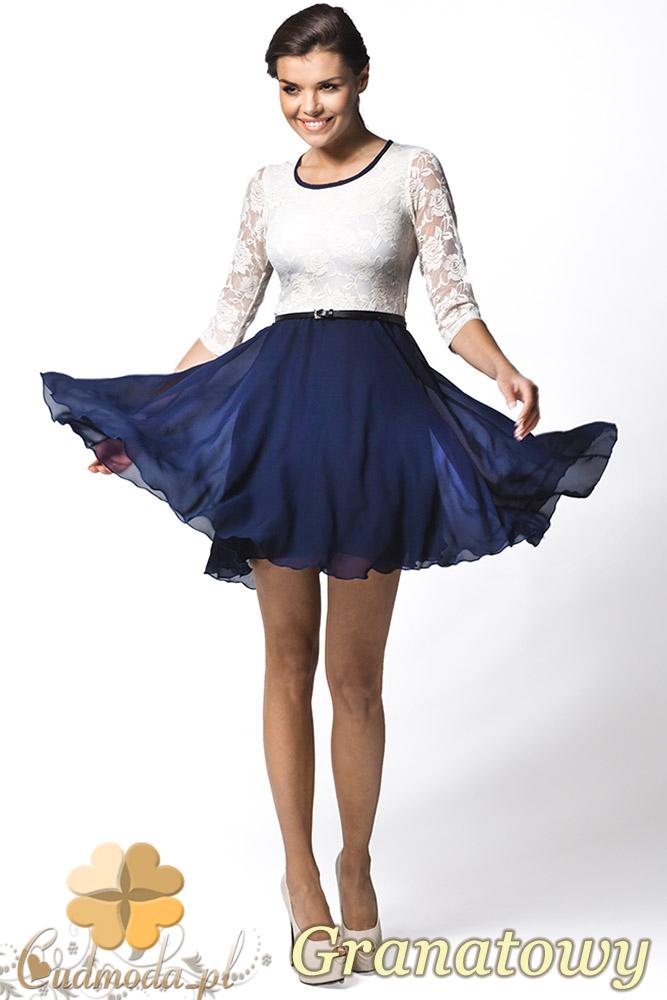 CM0616 AWAMA A26 Zwiewna sukienka z koronkowym rękawem 3/4 - granatowa