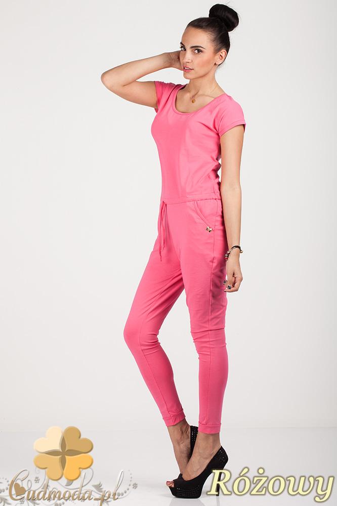 CM0727 Kombinezon spodnium z ozdobnym rozcięciem na plecach - różowy